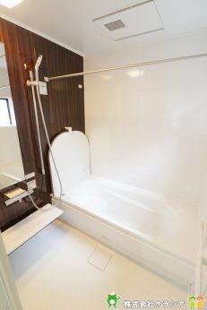 浴室は1坪タイプのユニットバスです。1日の疲れを癒すゆったりとした時間が過ごせます(2020年1月撮影)