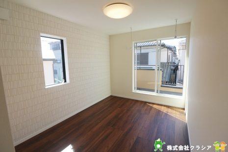 2階7帖の寝室。ゆとりのある空間は心と体に安らぎを与えてくれますね(2020年2月撮影)