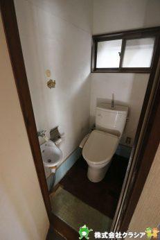 トイレにはお手洗い場も付いています(2021年1月撮影)