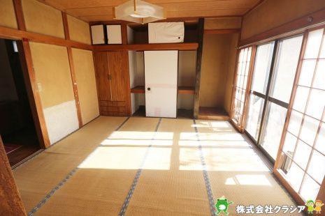 1階6帖の和室です。畳は音を吸い込んでくれるので防音効果があります。元気なお子さまの遊び場所として最適な空間ですね(2021年1月撮影)
