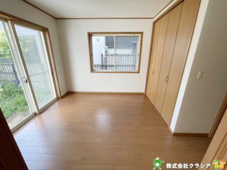 5.5帖の洋室です。シンプルな室内はインテリアのアレンジでお部屋の印象が変わりますね(2021年5月撮影)